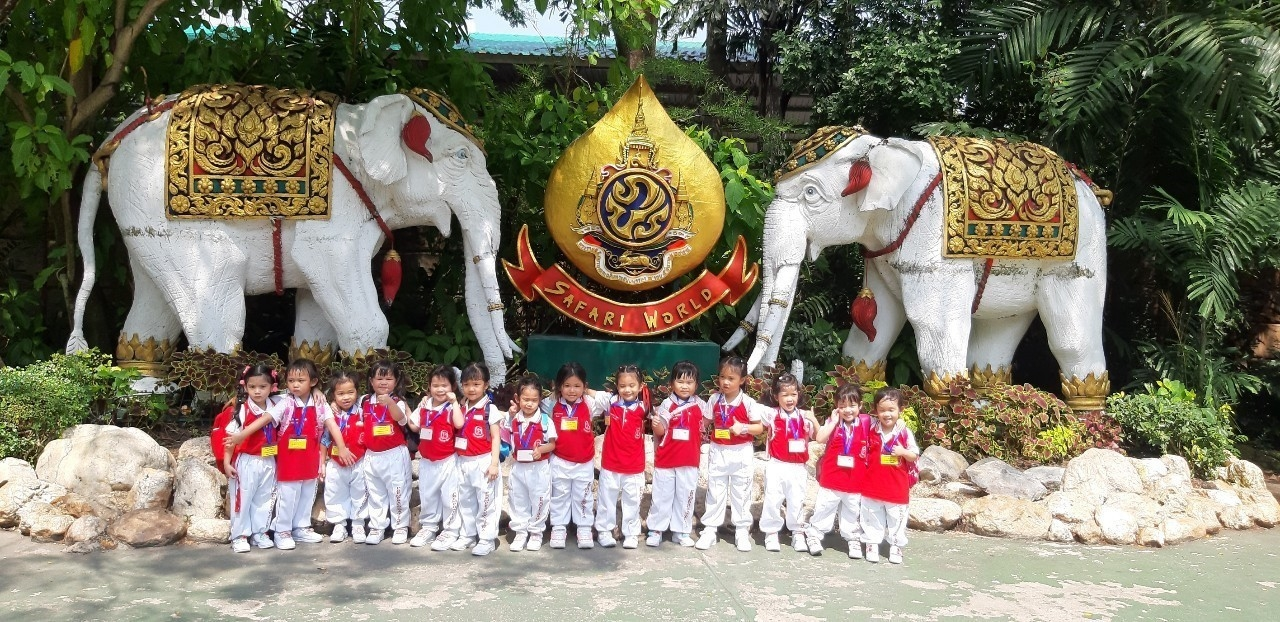 Thursday 7th of November 2019 146 kindergarten 1 students and 21 teachers went on a field trip at Safari World Zoo, Bangkok